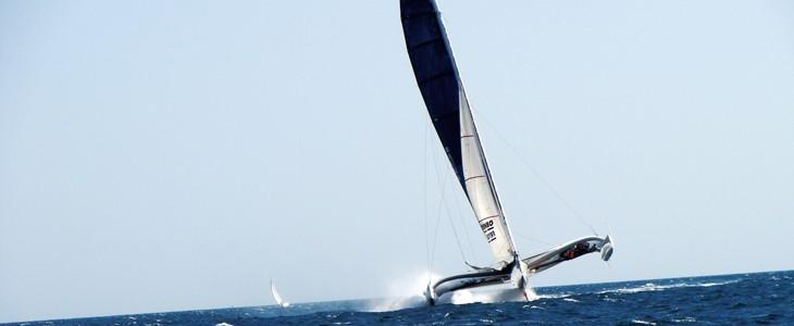 Naviguer sur trimaran de course Lorient Bretagne