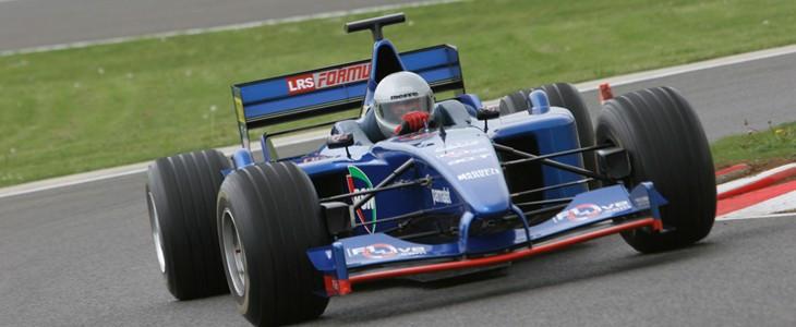 Stage de pilotage F1 sur le circuit Club de Magny-Cours