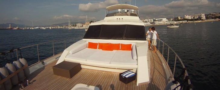 Location de Yacht Luxe à Cannes