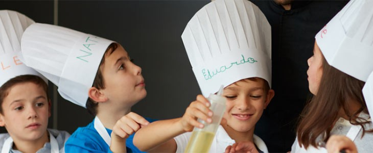 Cours de cuisine enfant à l'école Scook Anne-Sophie Pic à Valence, Drôme