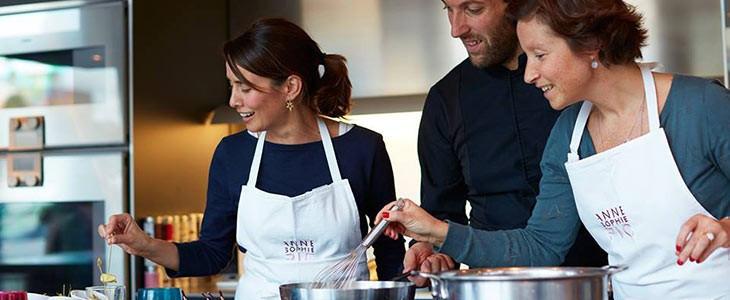 Cours de pâtisserie à l'école Scook Anne-Sophie Pic à Valence, Drôme