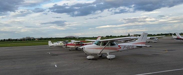 Vol en avion léger à Lyon dans le Rhône