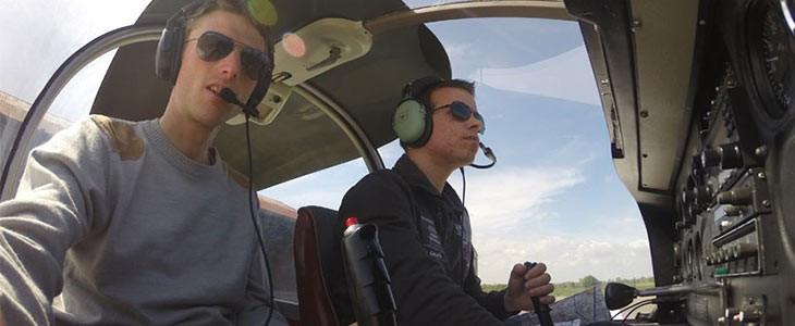 Vol d'initiation au pilotage d'un avion au-dessus de la Côte d'Opale