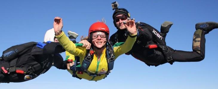 Saut chute libre assistée en parachute Maubeuge