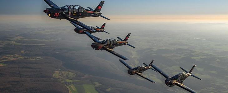 Vol de voltige aérienne en patrouille Dijon