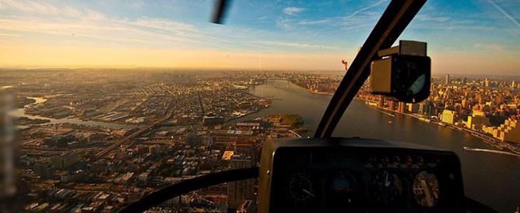 Pilotage hélicoptère R44 New York USA