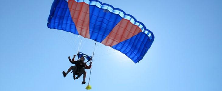 Saut en parachute en tandem Sarlat Périgord Dordogne